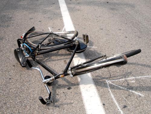 Incidente stradale moto bicicletta.