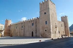 320px-Castello_di_Alcamo_0024