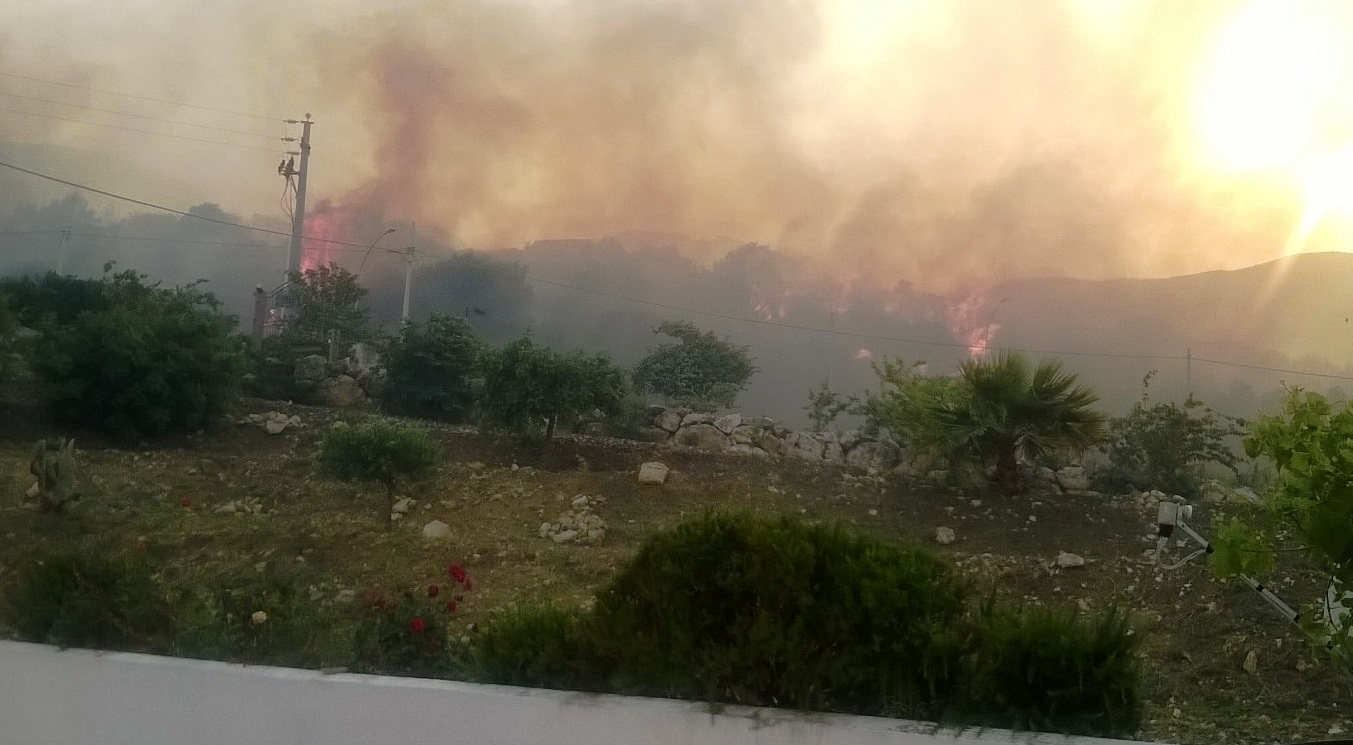 Incendio Scopello
