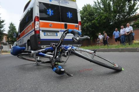 ciclista ambulanza