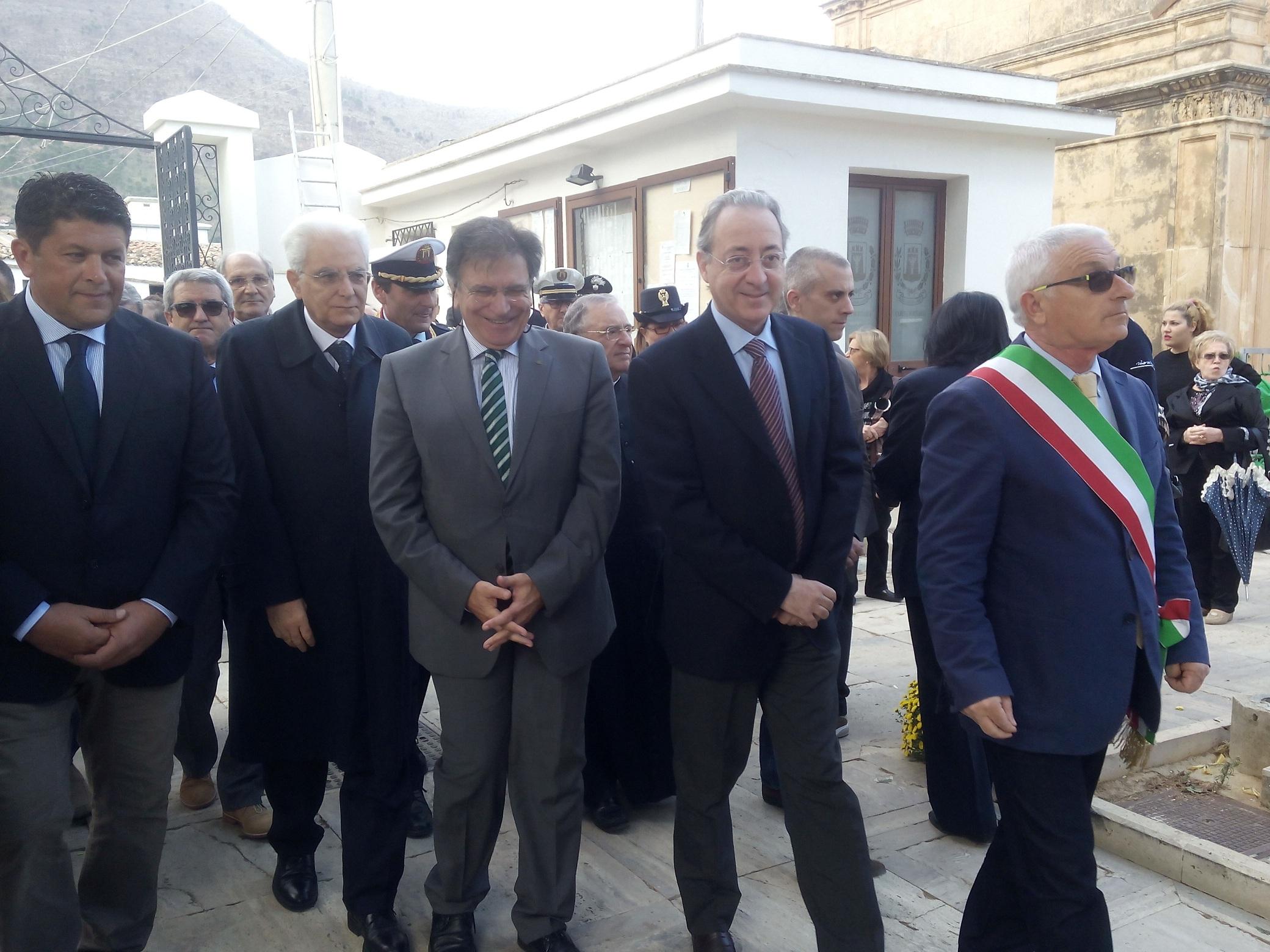Sergio Mattarella cimitero Castellammare 1 novembre 2014 (2)