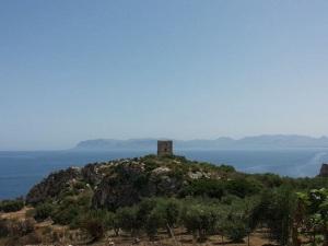 torre faraglioni scopello
