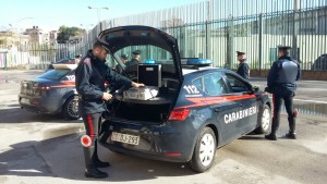 Carabinieri posto di controllo con etilometro 2