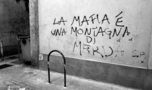 MAFIA-MONTAGA-MERDA