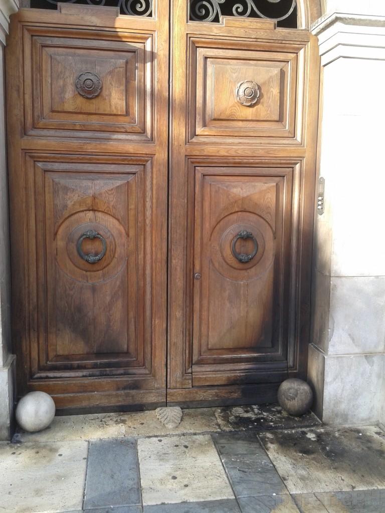 Comune di Alcamo incendio portone (1)1