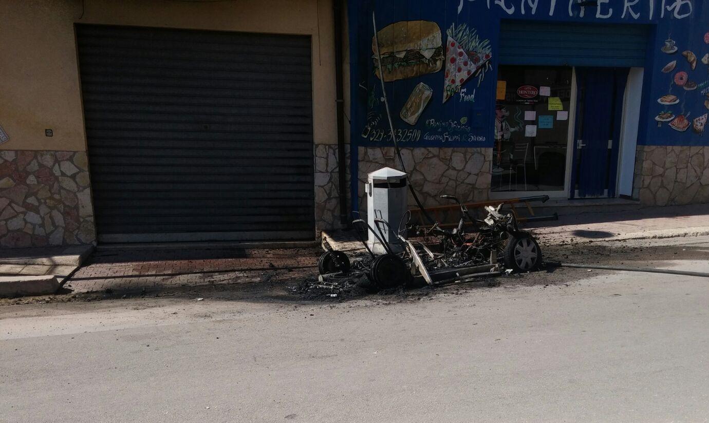 auto fiamme corso san francesco di paola 2
