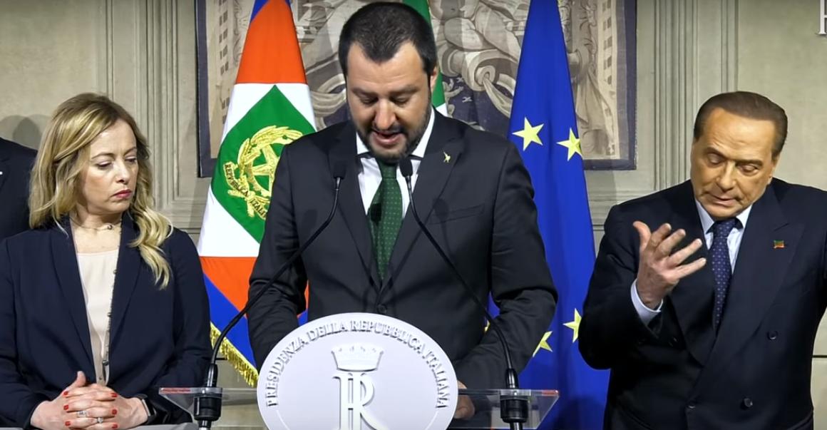 Berlusconi chiude al M5s: 'Sono un pericolo per l'Italia'